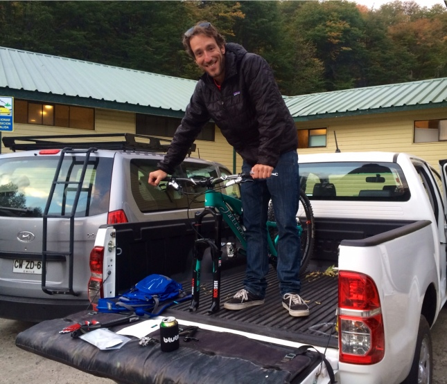 Jon Cancellier pimping my ride with some matching decals - love our ghetto pits in the back of a rental truck #spiritofenduroyo